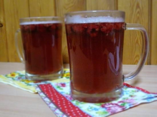 Malinowo-waniliowe grzane piwo